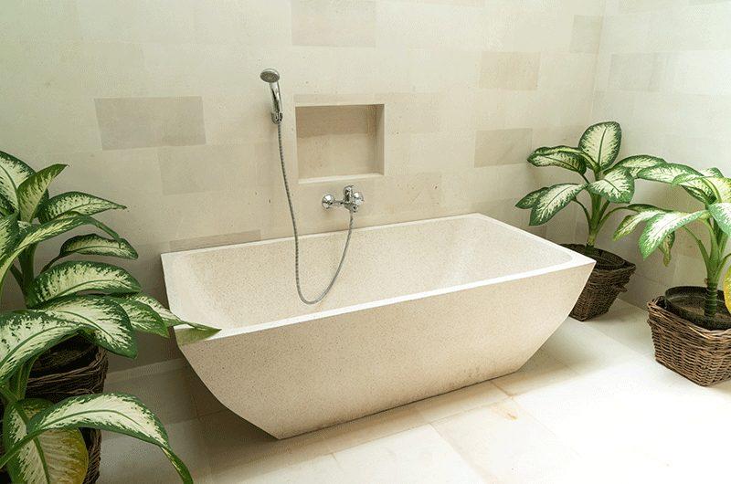 Villa Iluka Bathtub with Shower | Seminyak, Bali