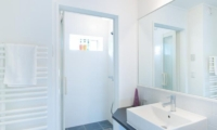 Ajisai Bathroom | Middle Hirafu Village, Niseko