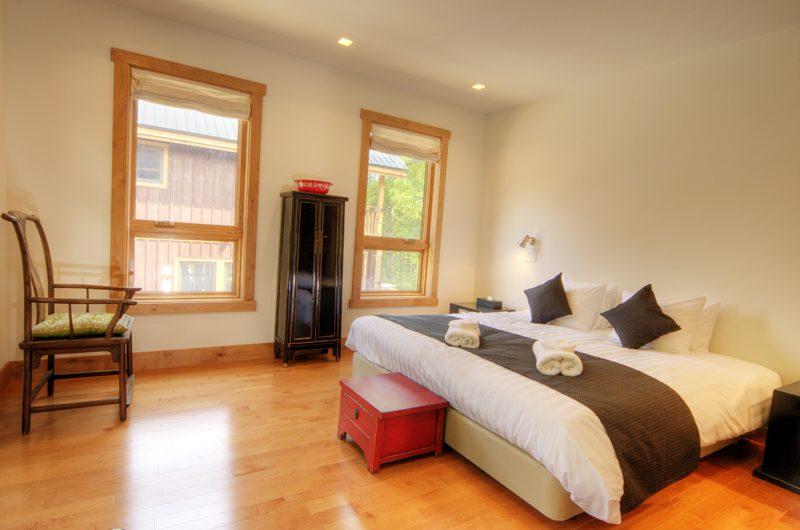 Asahi Lodge Bedroom with Wooden Floor | Hirafu, Niseko