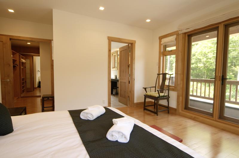 Asahi Lodge Bedroom and Balcony | Hirafu, Niseko