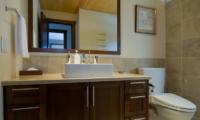 Eliona Bathroom | Lower Hirafu Village, Niseko