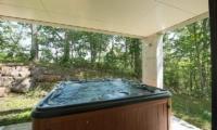 Glass House Jacuzzi | Lower Hirafu Village, Niseko