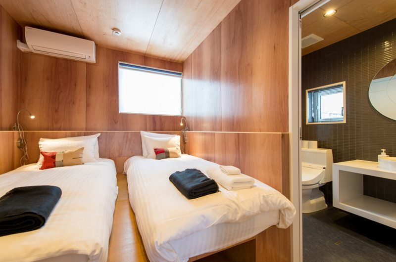 Heiwa Lodge Twin Bedroom | St Moritz, Niseko