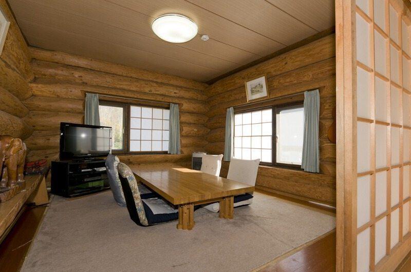 Jindabyne Lodge Seating | Hirafu Izumikyo 1 Village, Niseko