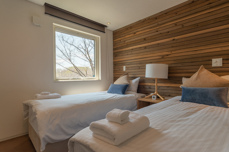 Kawasemi Residence Twin Bedroom with Views | Hirafu, Niseko
