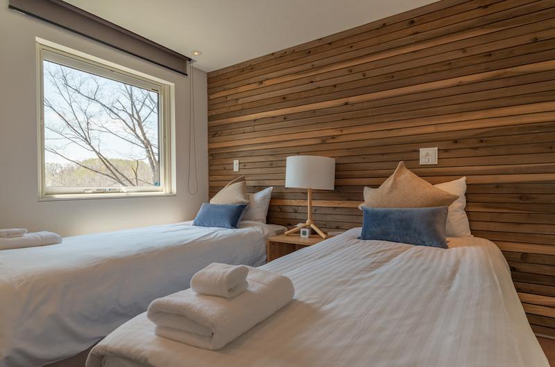 Kawasemi Residence Twin Bedroom with Side | Hirafu, Niseko