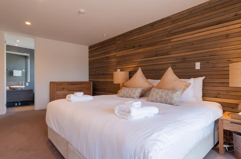 Kawasemi Residence Bedroom with Table | Hirafu, Niseko
