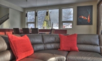 Konayuki Living Room | Middle Hirafu Village, Niseko