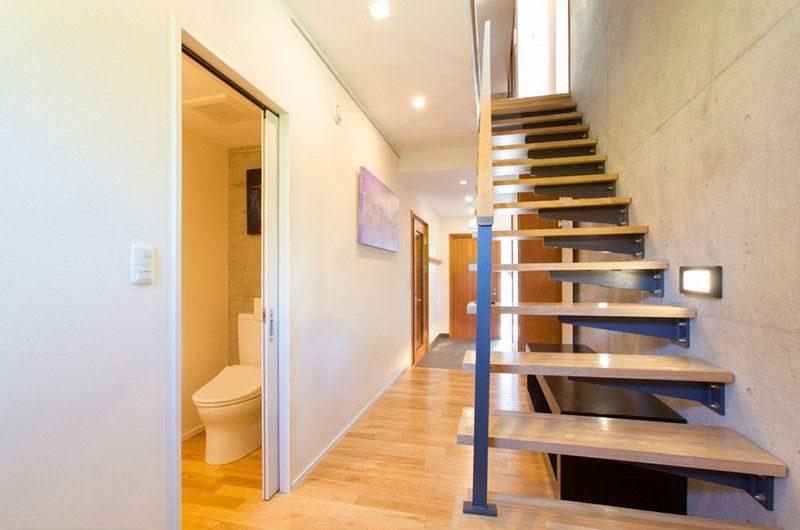 Kon M 3br Chalet Stairs | Middle Hirafu Village, Niseko