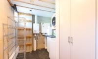 Kon M 3br Chalet Laundry | Middle Hirafu Village, Niseko