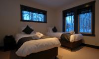 Mojos Twin Bedroom | Hirafu, Niseko