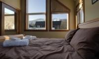 Niseko Creekside Bedroom | Hirafu Izumikyo 1, Niseko