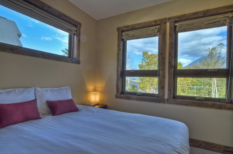 Old Man Creek Guest Bedroom | Hirafu Izumikyo 1, Niseko