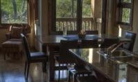Old Man Creek Dining Area   Hirafu Izumikyo 1, Niseko