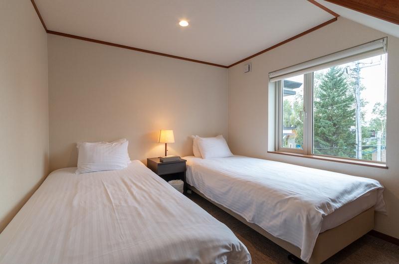 Powder Cottage Twin Bedroom Area | Hirafu, Niseko