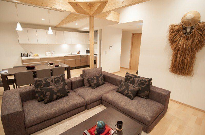 Silverfox Living Room | Hirafu St Moritz, Niseko