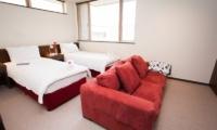 Toshokan Townhouses Twin Bedroom | Middle Hirafu Village, Niseko