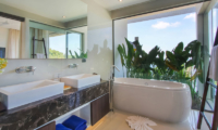 Villa Saan Bathroom with Bathtub | Kamala, Phuket