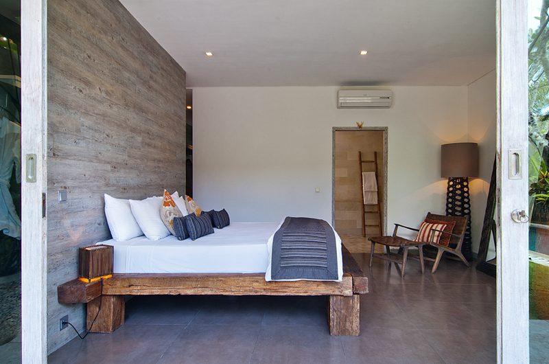 Villa Mia Spacious Bedroom and Bathroom | Canggu, Bali