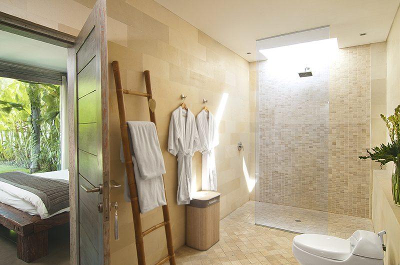 Villa Mia Bedroom and Bathroom | Canggu, Bali