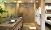 Villa Mia Bedroom and En-suite Bathroom | Canggu, Bali