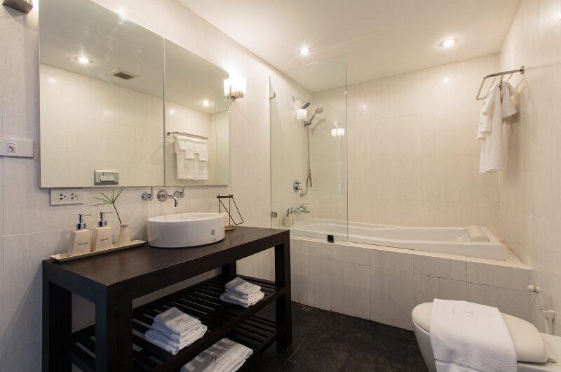 Baan Hansa Bathroom   Koh Samui, Thailand