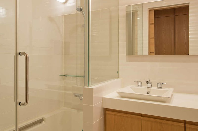 Akari En-suite Bathroom | Hirafu, Niseko