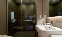 Forest Estate En-suite Bathroom | Middle Hirafu Village, Niseko