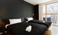 Forest Estate Twin Bedroom | Middle Hirafu Village, Niseko
