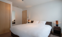Shin Shin Bedroom with Lamps | Hirafu, Niseko