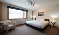 Shin Shin Bedroom with Seating | Hirafu, Niseko