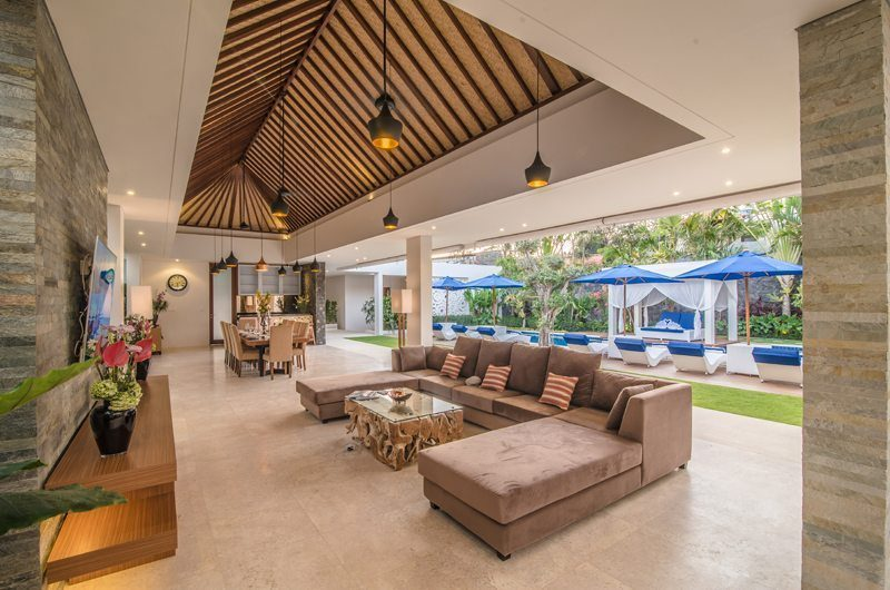 Freedom Villa Living And Dining Area | Petitenget, Bali