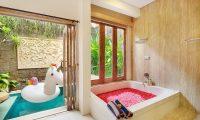 Ini Vie Villa Romantic Bathtub | Legian, Bali