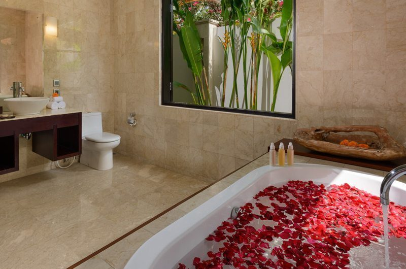 The Residence Villa Amman Residence Bathroom | Seminyak, Bali