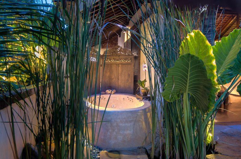 Villa Djukun Bathtub | Seminyak, Bali