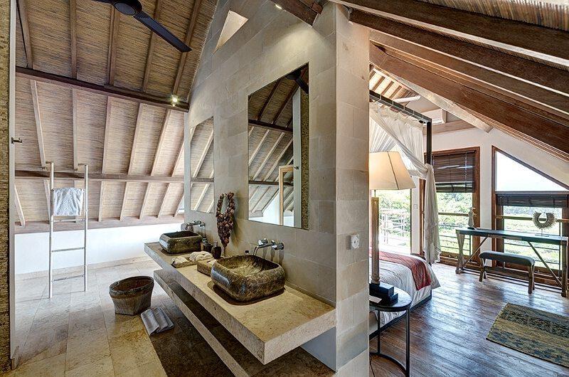 Villa Iluh Ensuite Bathroom | Batubelig, Bali
