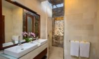 Villa Istana Satu Bathroom | Seminyak, Bali