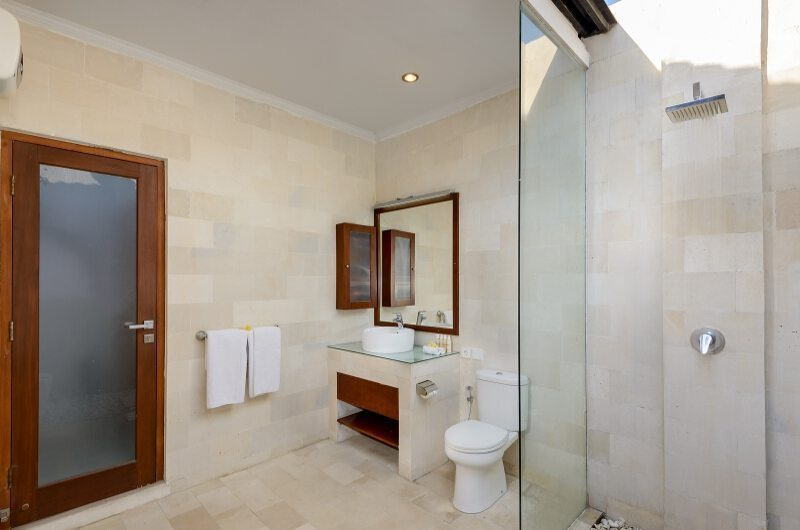 Villa Istana Satu Shower Cubicle | Seminyak, Bali