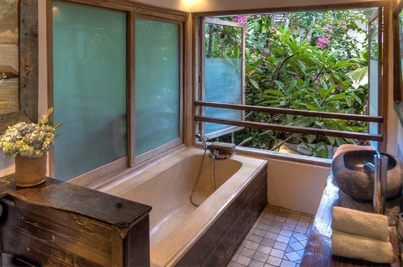 Villa Istimewa Bathtub | Seminyak, Bali
