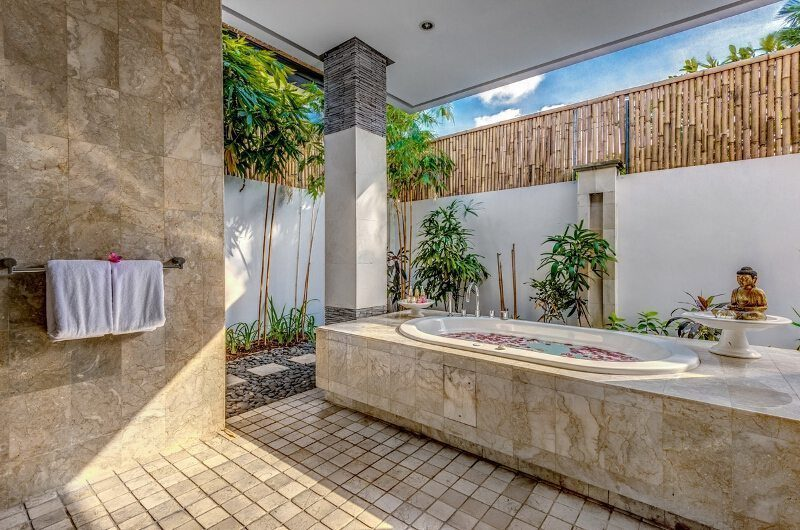 Villa Jepun Residence En-suite Bathroom | Seminyak, Bali
