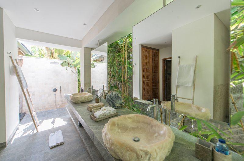 Villa Ketut En-suite Bathroom | Petitenget, Bali