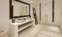 Villa Kyah Bathroom | Kerobokan, Bali