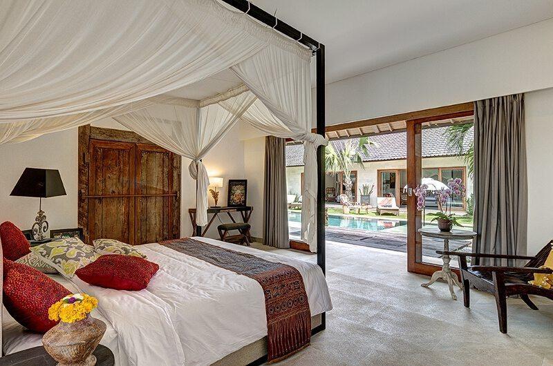 Villa Nyoman Master Bedroom | Batubelig, Bali