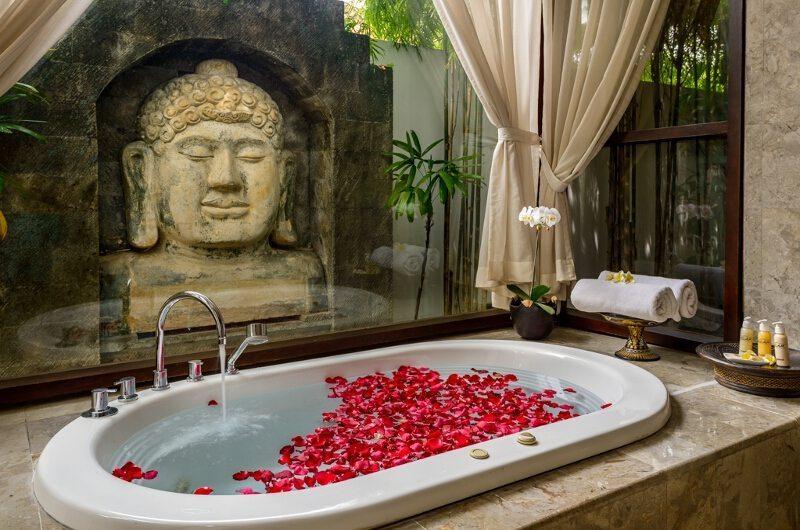 Villa Siam Residence Bathtub   Seminyak, Bali