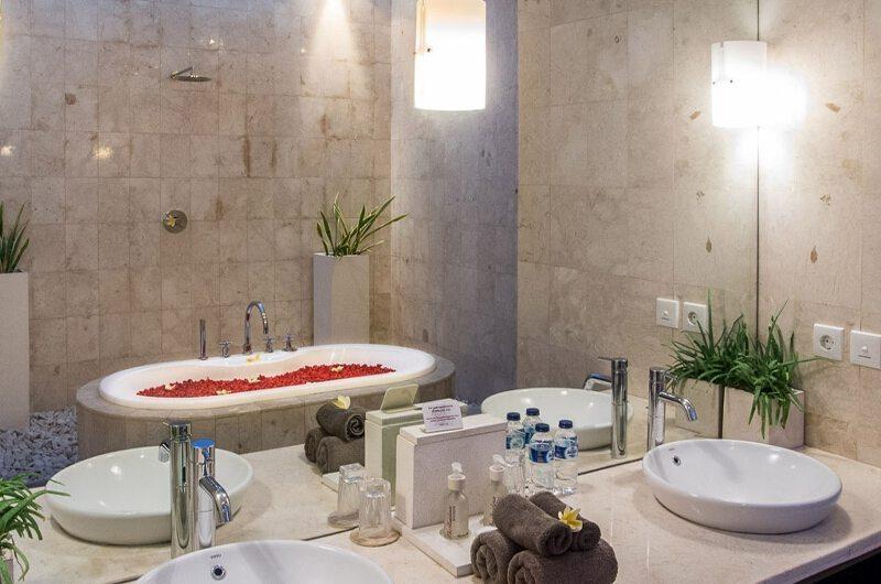 Villa Zensa Residence En-suite Bathroom | Seminyak, Bali
