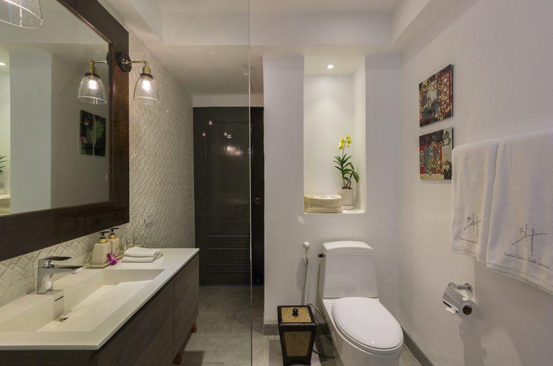 Baan Hansa En-Suite Bathroom   Koh Samui, Thailand