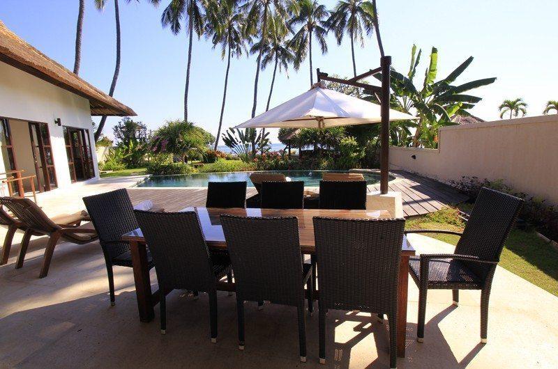 Kembali Villa Outdoor Dining | Kubutambahan, Bali