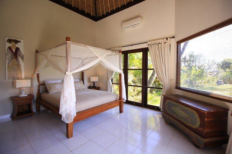 Kembali Villa Master Bedroom | Kubutambahan, Bali