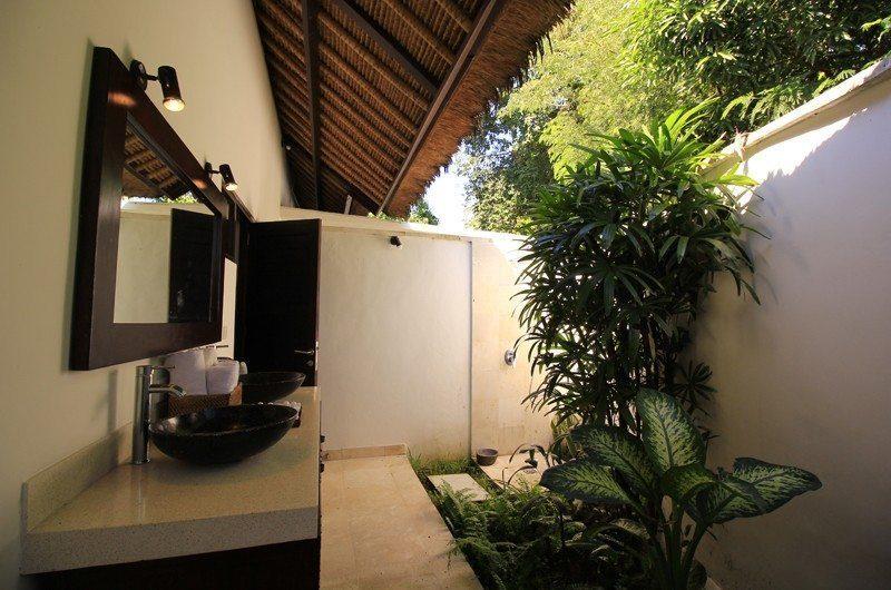 Kembali Villa En-suite Bathroom | Kubutambahan, Bali
