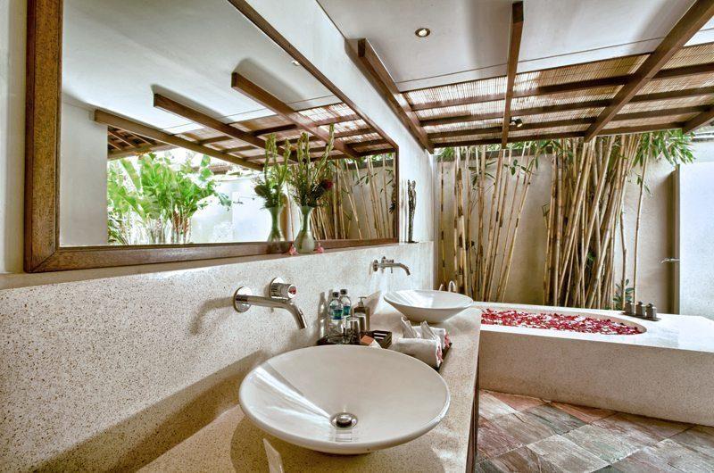 Villa Seriska Satu Sanur Bathtub | Sanur, Bali